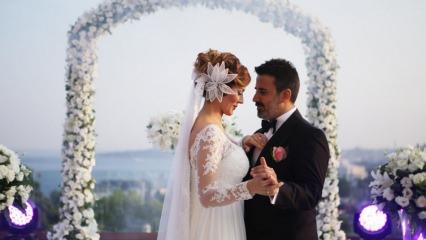 Şarkıcı Emrah'tan boşanma haberine açıklama! Eşiyle...