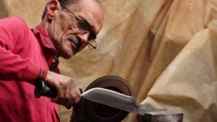 Hurda makine parçalarından bıçak yapıyor