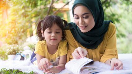 Saliha Erdim kaleme aldı: Kızım çok açık giyiniyor, yanında utanıyorum