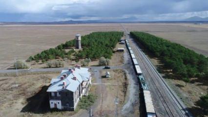 Bozkırın ortasındaki vaha: Kars Selim tren istasyonu