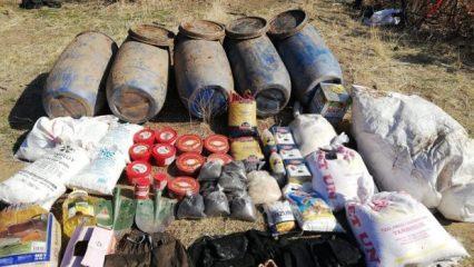 Bitlis'te teröristlere ait toprağa gömülü patlayıcı ele geçirildi