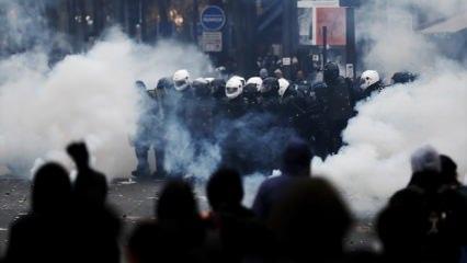 Fransa'da hükümetle masaya oturan sendikalardan yeni karar