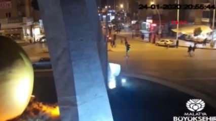 Deprem anı ve sonrasında yaşananlar Malatya'da mobese kameralarına yansıdı