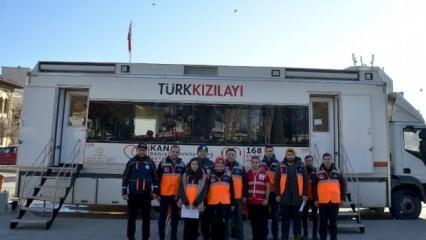 Elazığ'a gidemeyen AFAD gönüllüleri kan bağışladı