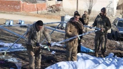 Sivrice'de çadırları Mehmetçik kurdu