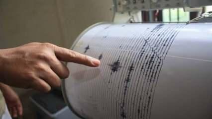 Son dakika: Peş peşe depremler! Manisa, İstanbul, Bursa ve İzmir! Yıkılan evler var