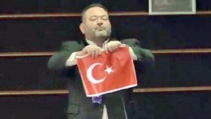 Yunan vekil Türk bayrağını yırtmıştı! Yunanistan'dan Türkiye açıklaması