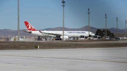 Son dakika haberi: Ankara'da koronavirüs alarmı: İran uçağı acil iniş yaptı, karantina kararı!