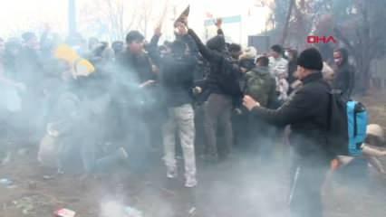 Yunan polisi tampon bölgedeki mültecilere bu sabah da gaz bombası ile müdahale etti