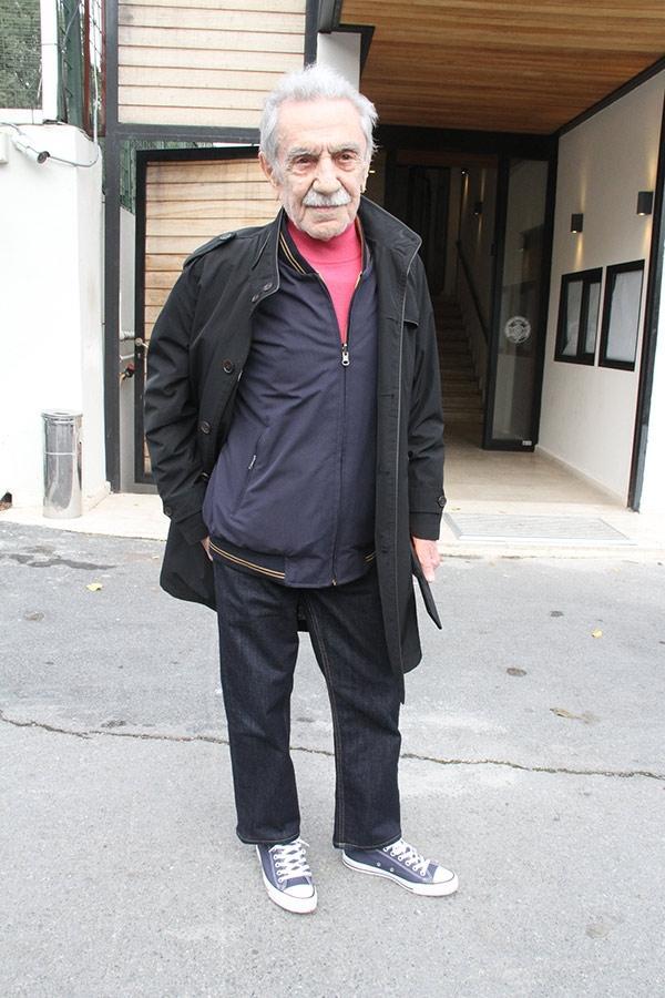 Aydemir Akbaş: Bugünkü sanatçılarla tuvalete gitmem 18
