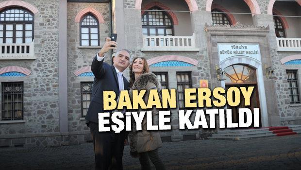 Bakan Ersoy, Müzede Selfie Günü'ne katıldı